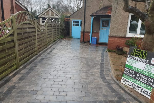 Replacement Driveway with Charcoal kerb in Milton Keynes